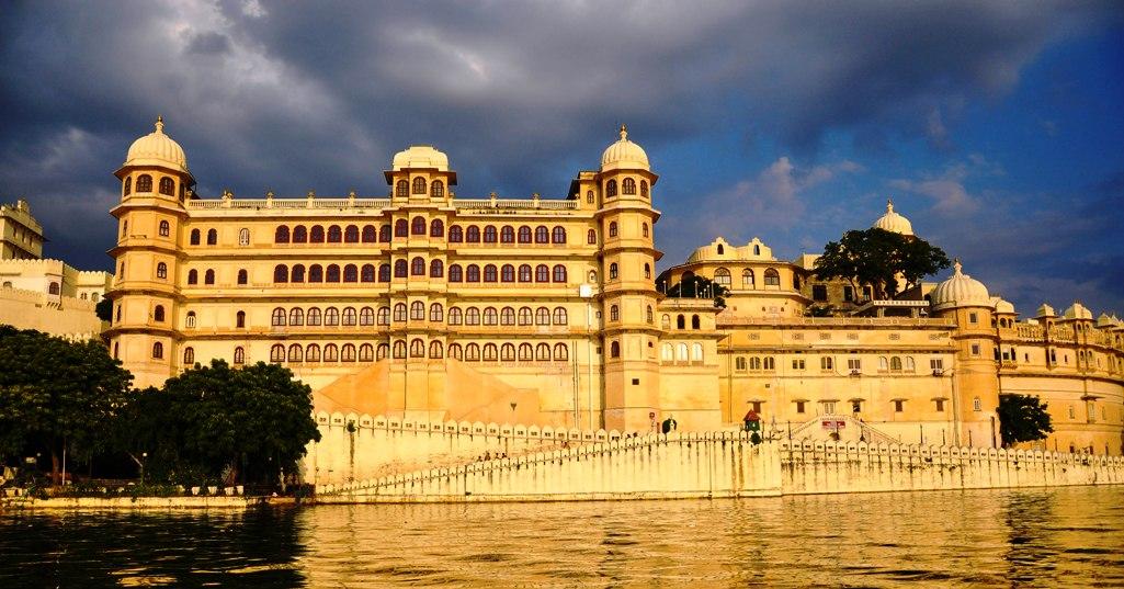 Breathtaking Floating Lake Palace Of Udaipur Charismatic