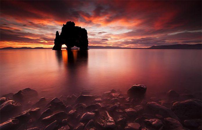 Mysterious Icelandic Dinosaur Hvitserkur Shaped Rock