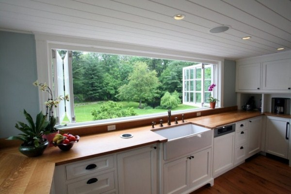 Large Kitchen Window Makes Substantial Difference in Appeal ...