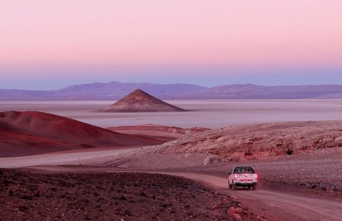 Cono de Arita is situated near the south border of Salar de Arizaro, the 6th largest salt flat on earth and the 2nd largest in Argentina.