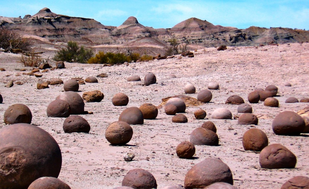 Valley of the Moon once-fertile ground, now arid & contains several plant & animal fossils that paleontologists come from all over the world