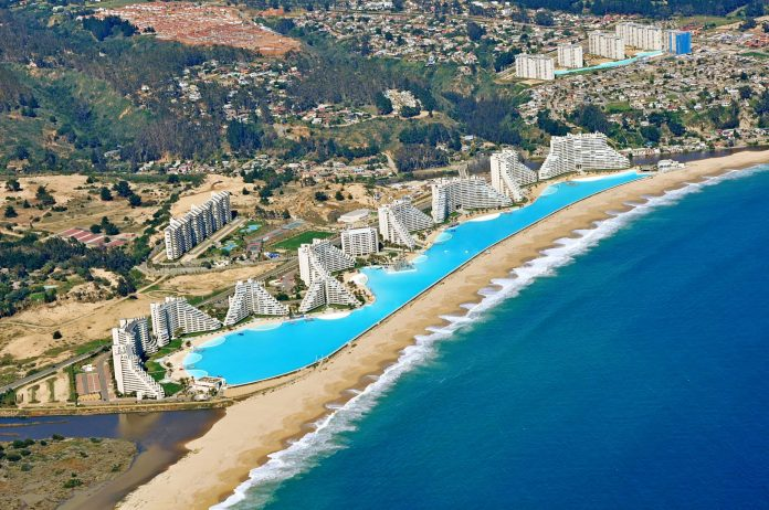 Largest Pool In Chile >> Chile S World S Largest Swimming Pool Is An Engineering Miracle