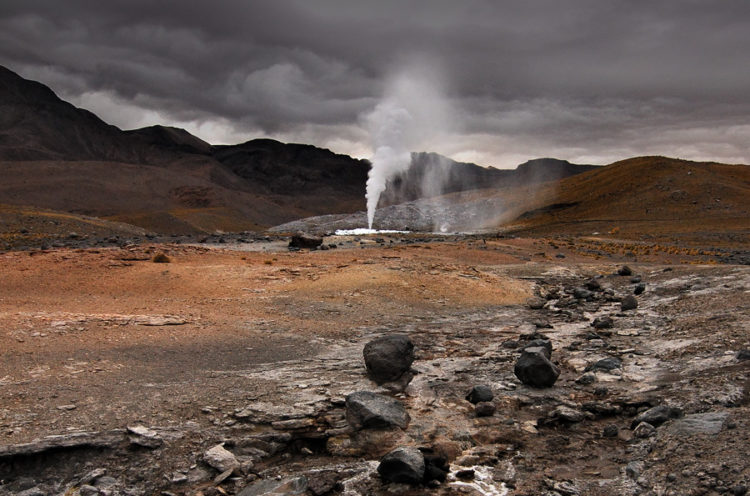 "The exclusive environment of El Tatio ""provides a better environmental analog for Mars than those of Yellowstone National Park and other well-known geothermal sites on Earth."""