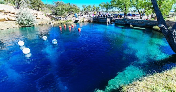 Like several other natural pools of its similar types, the Santa Rosa Blue Hole is a small body of water that seems to fill a surprisingly deep hole in the ground with shockingly clear waters.