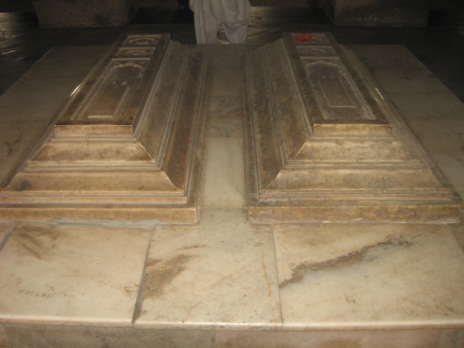 Cenotaph_Tomb_of_Nur_Jahan