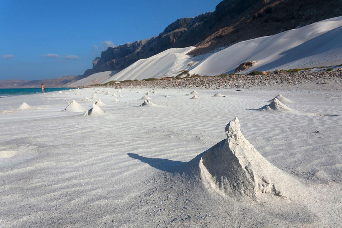 Sand dune, Socotra, Yemen. (sunsinger)