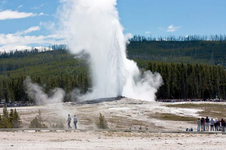 A cone geyser called Old Faithful located in Yellowstone National Park in Wyoming, United States.