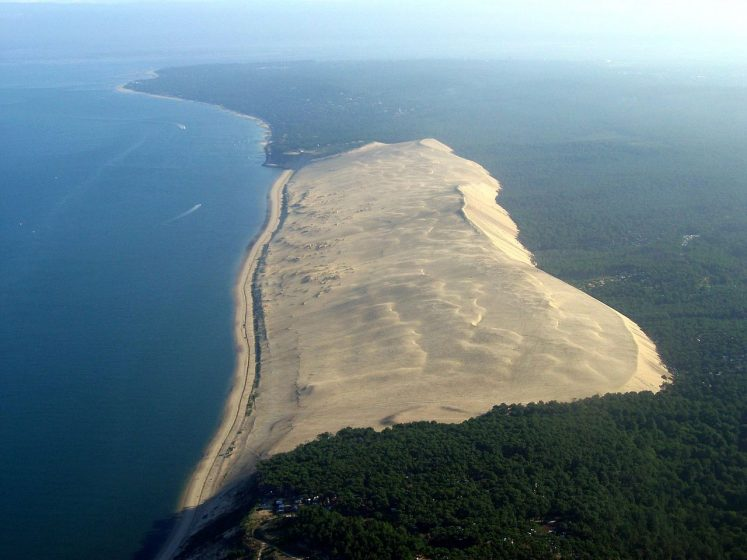 The Great Dune of Pilat, located in the municipality of La Teste-de-Buch 60 km from Bordeaux in the Arcachon Bay area, is the tallest sand dune in Europe.