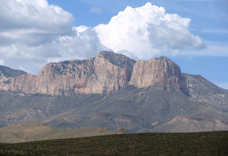 The Guadalupe Peak is 140 kilometers east of El Paso and 80 kilometers southwest of Carlsbad, New Mexico.