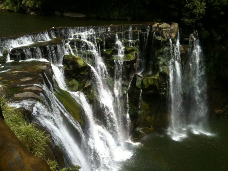 The waterfall name derived from the ten original families, who developed the area in Pingxi. It is also known as Little Niagara of Taiwan.