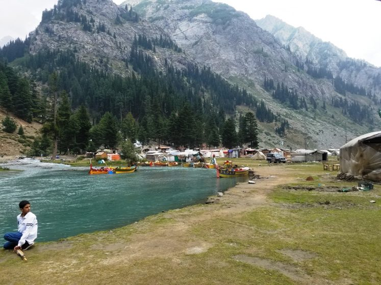 The high rises peak feast your eyes wide open to see the small streams and waterfalls along with Swat River running between dense forest.