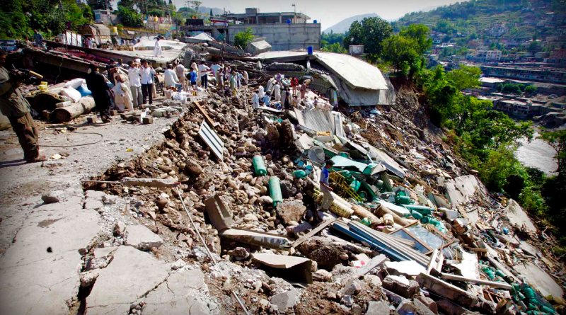 Earthquake of Pakistan 2005 magnitude was 7.6 which struck on October 8, 2005, and, epicenter most destruction occurred in portion of Kashmir