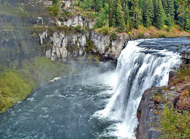 Mesa Falls in Idaho (2)